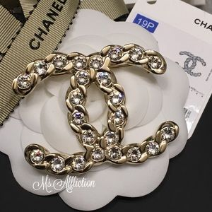 CHANEL Authentic Crystal Strass CC Gold Brooch NWT